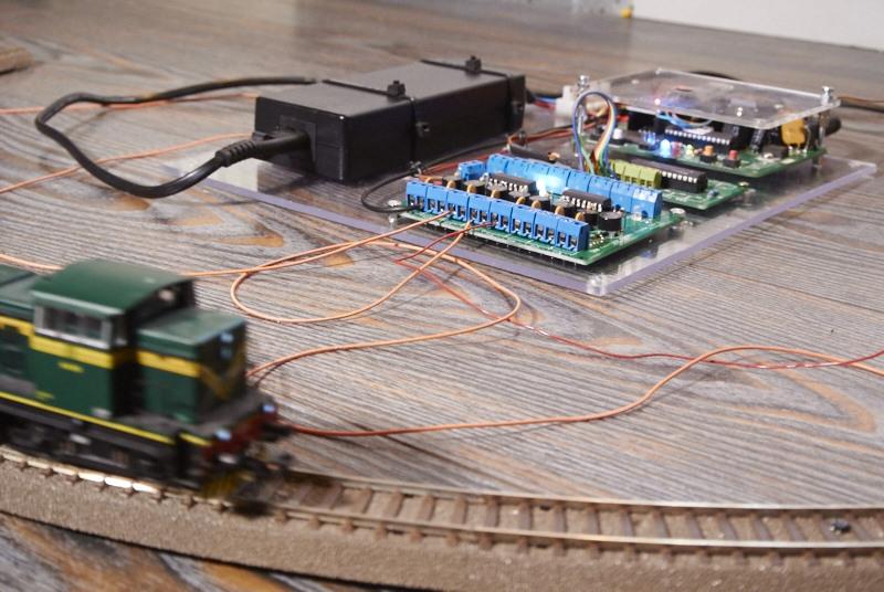 Programiranje in test avtomatske vožnje za dioramo